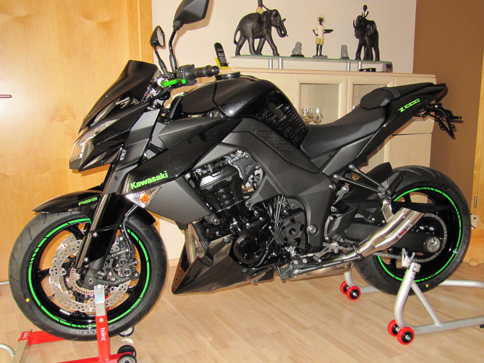 kawasaki gr n folie motorrad bild idee. Black Bedroom Furniture Sets. Home Design Ideas